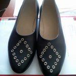 Sieviešu ādas kurpes ar kniedēm 10