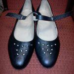Sieviešu ādas kurpes ar kniedēm 11