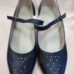Sieviešu ādas kurpes ar kniedēm 12